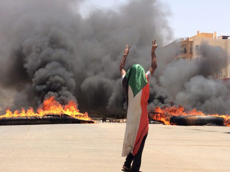 Mer än 35 personer dödades i våldsamheter i Sudans huvudstad Khartum i måndags.