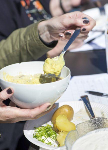 Gör egen snabb senapssill – utan sill – till påsk.