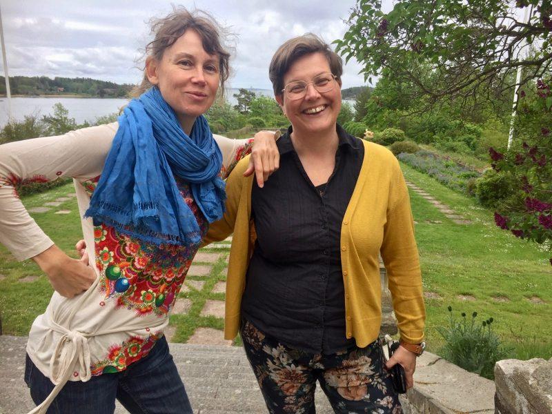 Sofi Håkansson och Pernilla Fogelqvist som arrangerar festivalen är även lärare på distanskursen Hållbara gemenskaper på Stensunds folkhögskola.