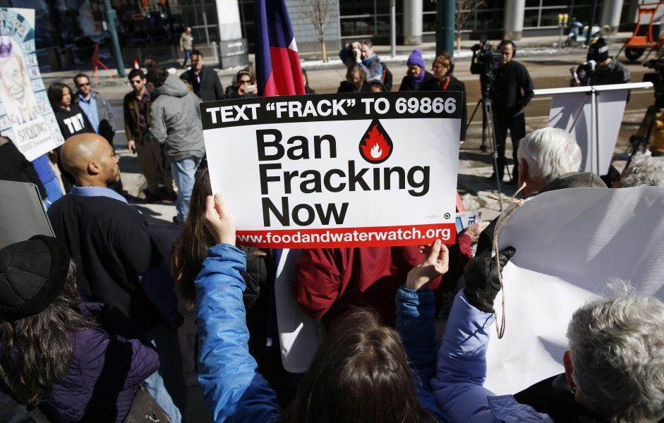 Den kontroversiella bränsleutvinningsmetoden fracking har orsakat många protester världen över.