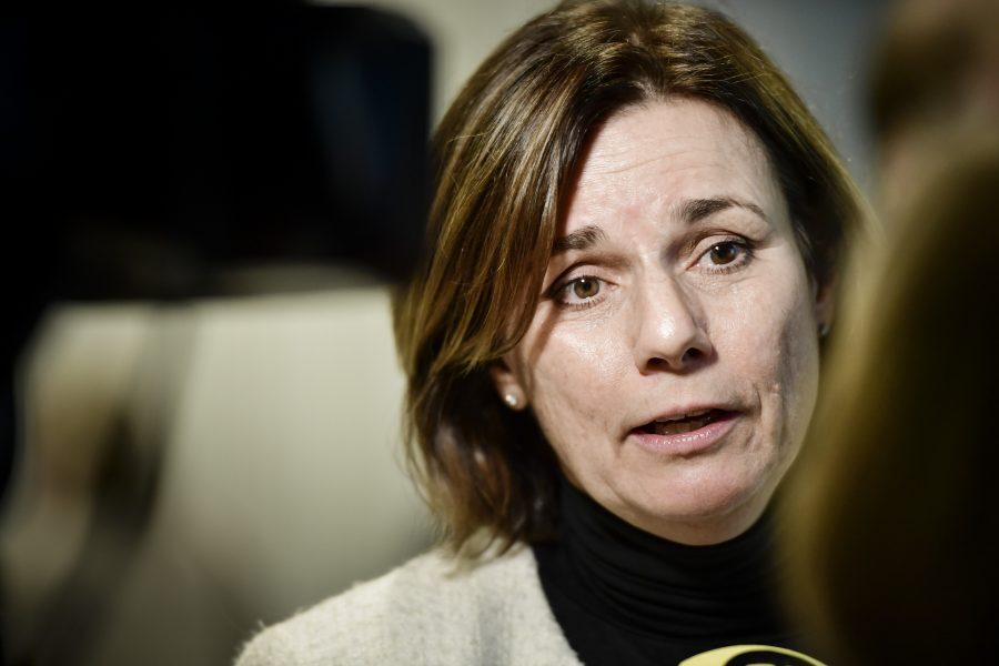 Det är en stor fördel att det blir trenordiska länder som nu tillsammans letar nya arter, enligt Isabella Lövin (MP).