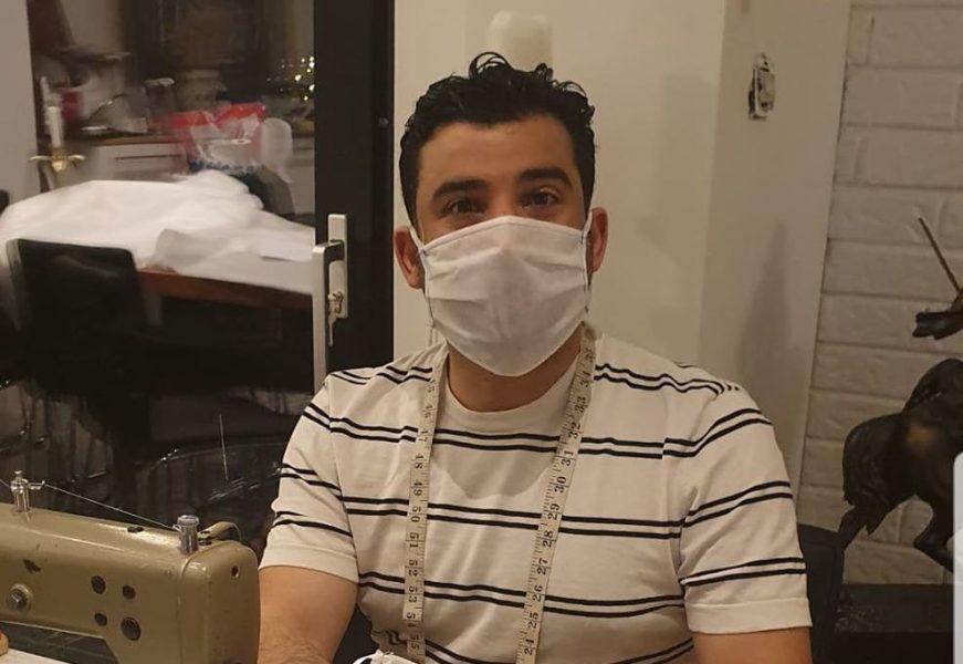 Khalid Al-Alwani har använt sina kunskaper som skräddare och designer till att sy tusentals munskydd under coronakrisen.