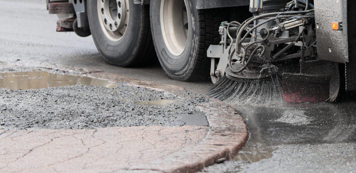 Växjö kommun vill använda återanvänt regnvatten till att rengöra gator och torg.