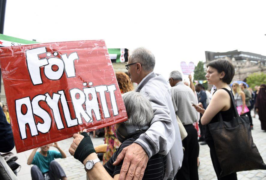 """""""Ett urgröpande av asylrätten"""", kallar Annika Hirvonen (MP) förslaget om att ett utvisningsbeslut ska preskriberas i tio år istället för fyra, som idag."""