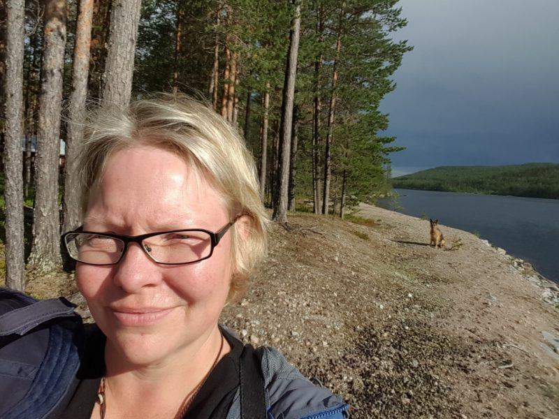 May-Britt Öhman är forskare vid Centrum för mångvetenskaplig forskning om rasism vid Uppsala universitet och leder projektet Dálkke: Urfolksperspektiv på klimat.