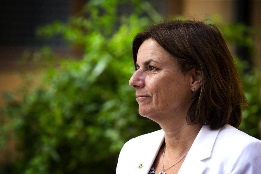 Klimat- och miljöminister Isabella Lövin (MP) är glad över att regeringen beslutat om en strategi för en cirkulär, mer hållbar ekonomi.