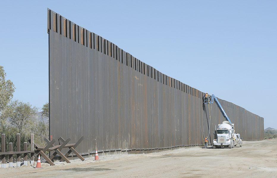 Invånarna i Laredo hoppas kunna stoppa färdigställandet av Donald Trumpsmur mot Mexiko.