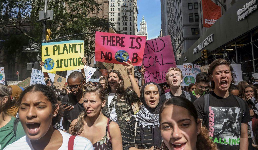 Klimataktivister demonstrerar i New York för ett år sedan.