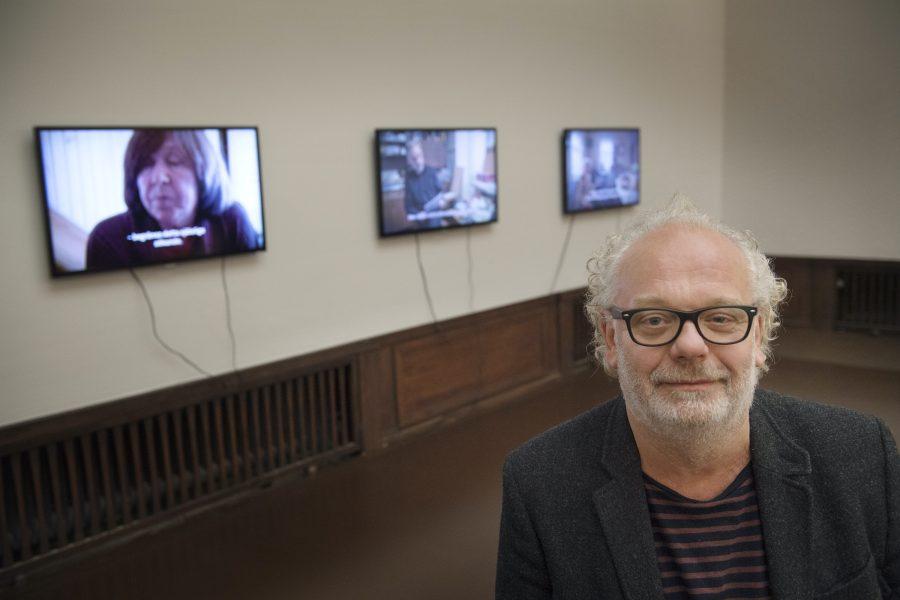"""Filmaren Staffan Julén har tillsammans med Nobelpristagaren Svetlana Aleksijevitj gjort filmen """"Lyubov - kärlek på ryska""""."""