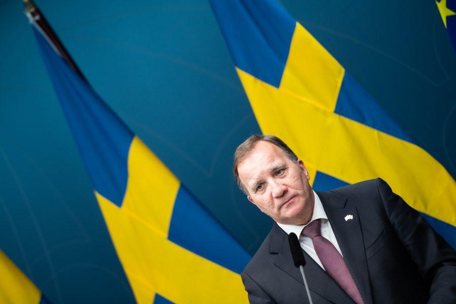 Statsminister Stefan Löfven under en pressträff om regeringens beslut om skärpta regler för att stävja trängsel på nattklubbar men även om att sittande publik på högst 300 personer ska tillåtas på kultur- och sportevenemang.