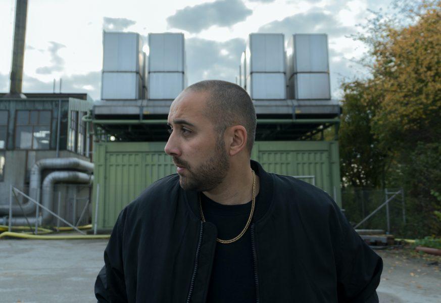 Rapparen Nomads debutskiva skildrar några tunga år i hans liv, bland annat berättar han om när hans dotter fick problem med hjärtat.