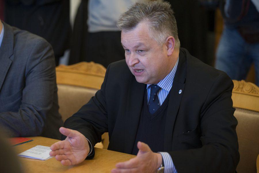 Donald Trumps krav på att stoppa rösträkningen får hård kritik av Michael Link, som leder OSSE:s uppdrag under USA:s presidentval.