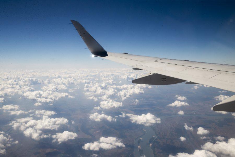 Till 2025 ska SLU minska utsläppen från de anställdas flygresor med totalt 60 procent, jämfört med 2019.