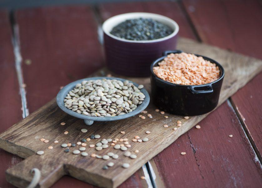 Baljväxter som ärter, bönor och linser innehåller nyttiga proteiner och bidrar med positiva ekosystemtjänster i jordbruket.