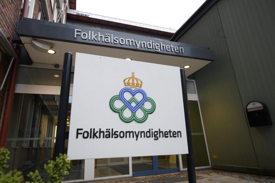 Folkhälsomyndigheten föreslår en plan för öppning av samhället till regeringen, med konkreta mått som ska vara uppfyllda på vägen.