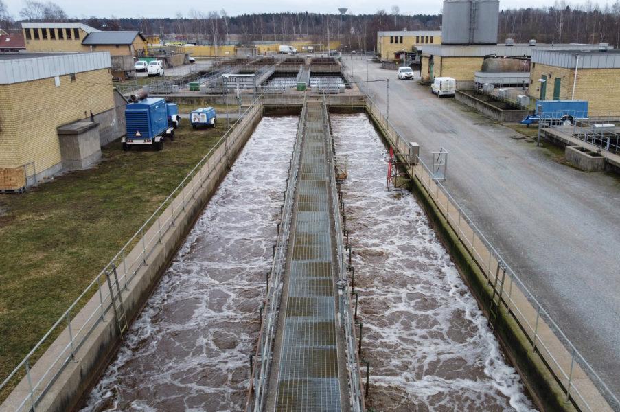 Kraftigt förhöjda halter av tungmetaller upptäckta vid vattenreningsverk.