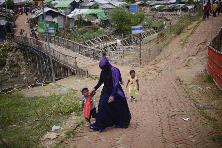 Situationen för rohingya-kvinnor i flyktinglägren i Bangladesh har förvärrats den senaste tiden.