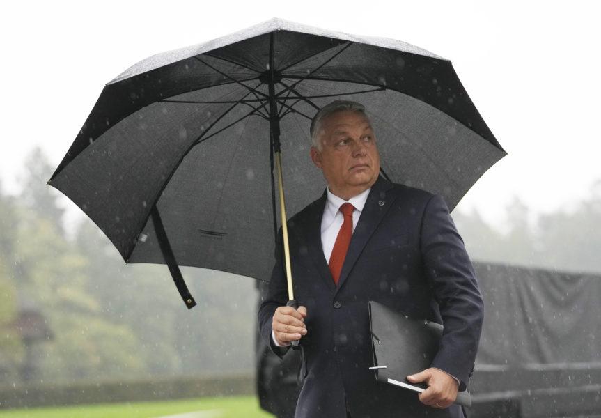 Viktor Orbán från Ungern anländer till EU-möte i Slovenien.